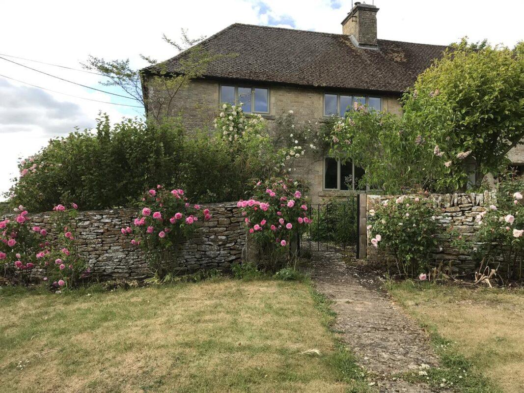 Rose Cottage - Dog Friendly Holidays in the Cotswolds