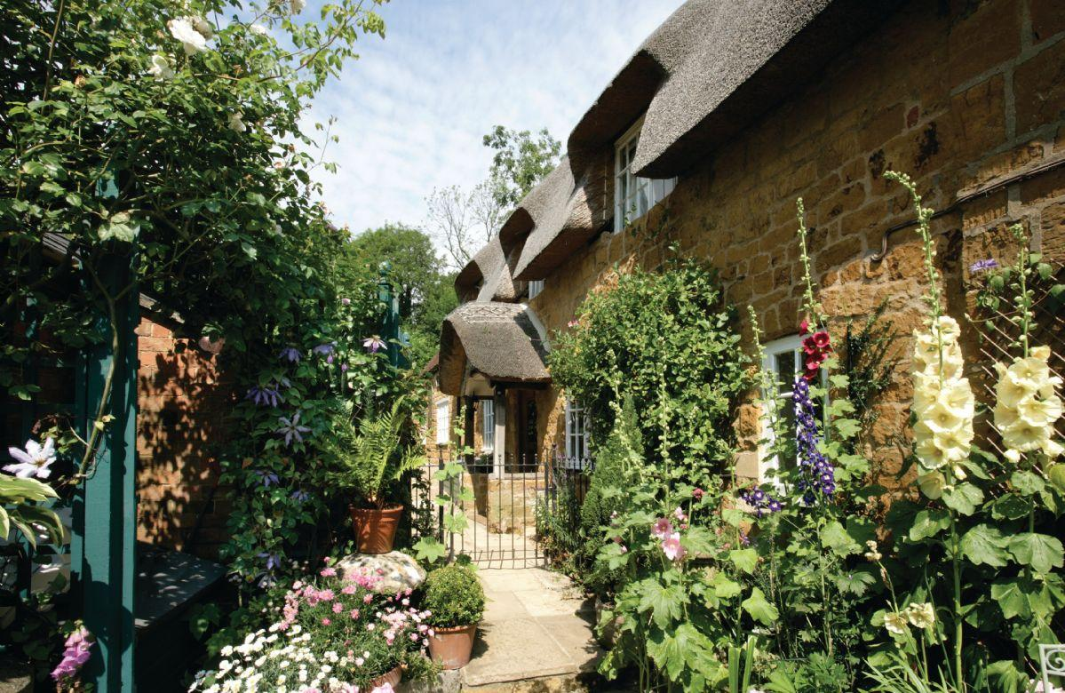 Glen Cottage - Dog Friendly Holidays in the Cotswolds